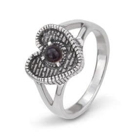 The Heart of Midlothian Silver Ring with Garnet 9978