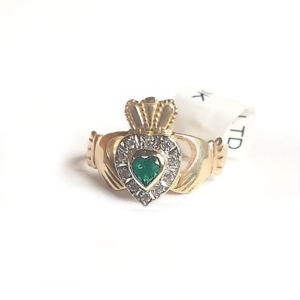 10ct Gold Simulated Emerald Claddagh Ring