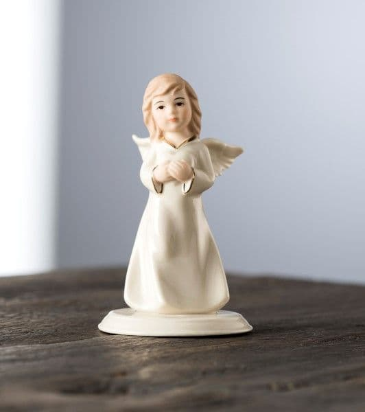 Belleek Living Mini Angel Of Love